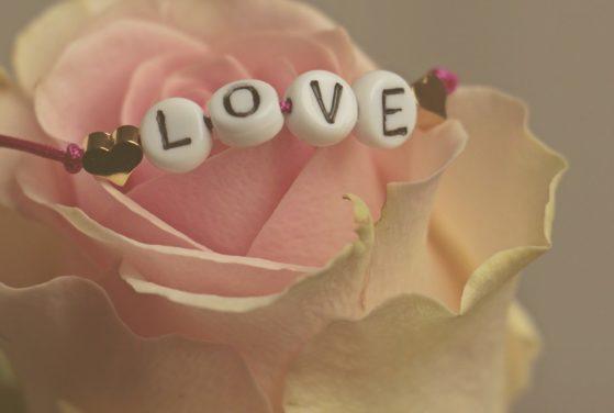 9 starke Liebesrituale aus aller Welt